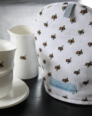 Bee Tea Cups